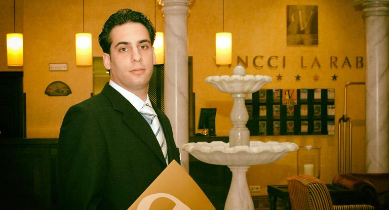 Dirección de Hotel y Empresas Turísticas - Formación Universitaria - Escuela Superior de Hostelería de Sevilla